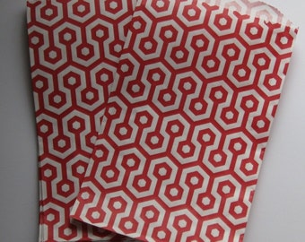 "Set of 10 Red and White Honeycomb Design Middy Bitty Bags (5"" x 7.5"")"