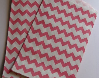 "Set of 20 Pink and White Chevron Design Middy Bitty Bags (5"" x 7.5"")"