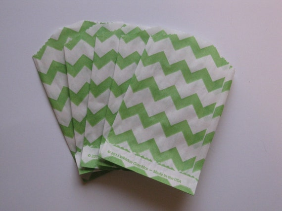 """Set of 10 Green and White Chevron Bitty Bags (2.75"""" x 4"""")"""