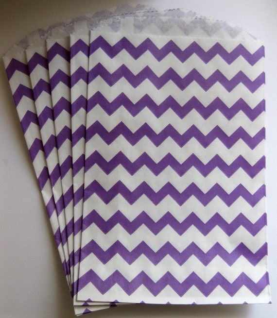 "Set of 10 Purple and White Chevron Design Middy Bitty Bags (5"" x 7.5"")"