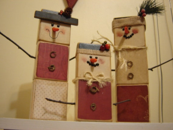 Items similar to wooden snowman family primitive rustic for Rustic snowman decor