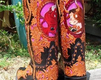 Custom Hand Made Leather filigree Cartoon Design mens western/cowboy boots size 10D