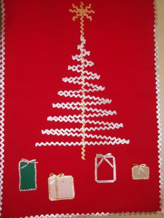 Midcentury Christmas Linen Table Runner - Home Sewn -  Rick-rack Trim - Retro 1950s Xmas Decor