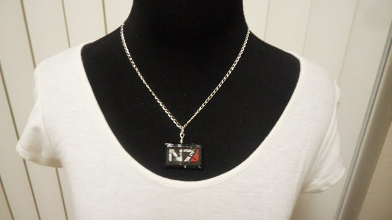 Mass Effect N7 Logo Necklace (For shipping, read the description)