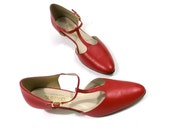 SALE // womens size 10 1/2 Red leather Ankle T Strap Heels // Mary Jane vintage shoes // ladies 1970s clothing