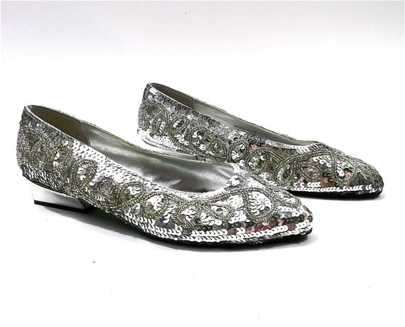 Sequined Beaded silver flats size 7 womens // shiny vintage shoes // DEADSTOCK 80s