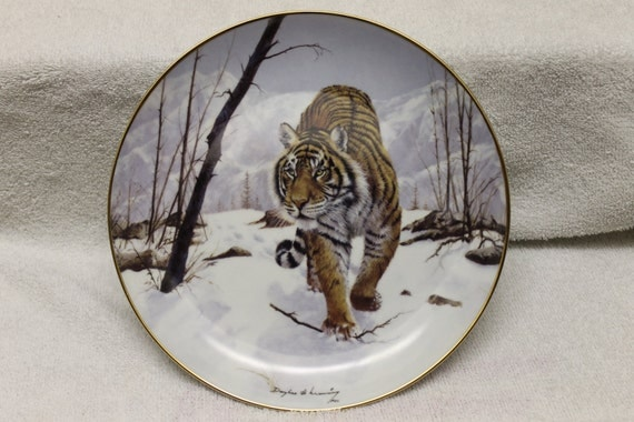 "Big Cats of the World porcelain plate by Douglas Manning ""On the Prowl"""