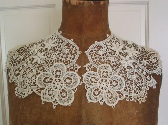 Antique  Lace Large Collar