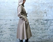secret agent time. vintage wheat trench coat with hood