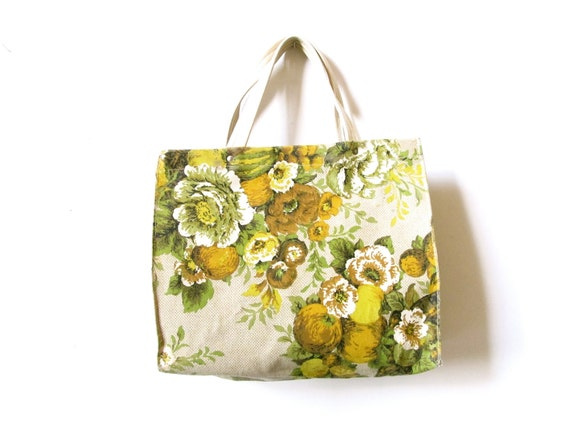 vintage spring time flowery purse