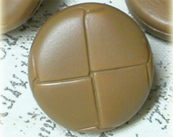 Set of 10 Vintage Faux Leather Look Tan Beige Plastic Buttons 5/8 Inch 16mm Sewing Buttons