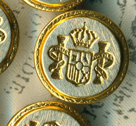 """Set of 9 Vintage Heraldry Gold Silver Metal Sewing Buttons 5/8"""" 16mm Coat of Arms Shield"""