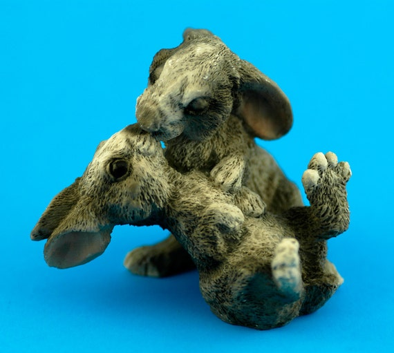 Vintage Kissing Bunny Lovers Grey figurine made in Italy