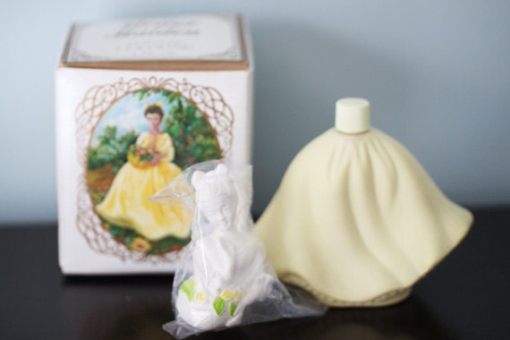 Vinatage Avon Flower Maiden Topaze Cologne Figurine Bottle