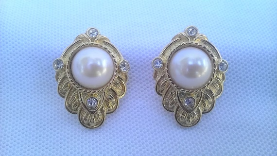 "Vintage Signed Kenneth J Lane for Avon ""Renaissance"" Rhinestone and Faux Pearl Clip Earrings"