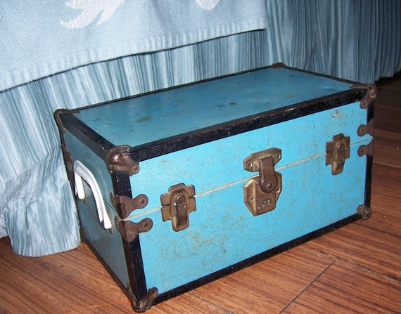 Vintage Metal Cass Toys Doll Carrying Case Clothing Turquoise