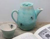 24 oz. Porcelain Blue Bee Teapot