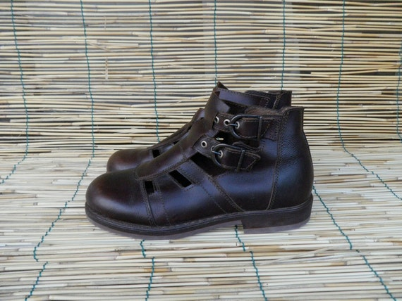 Vintage Lady's  Brown Leather Straps Ankle High Sandals Size EUR 36 US Woman 5 1/2 - 6