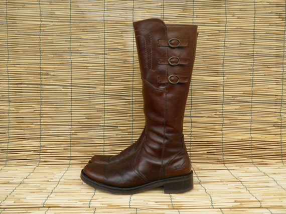 Vintage Lady's Brown Leather Zip Up Flat Boots  Size: EUR 40 / US Woman 9