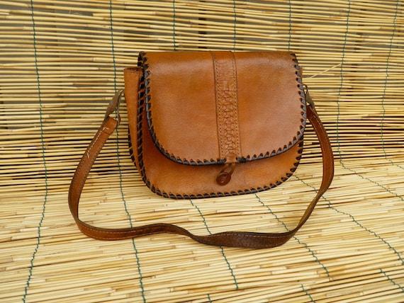 Vintage Lady's 1970's Natural Leather Shoulder Strap Bag