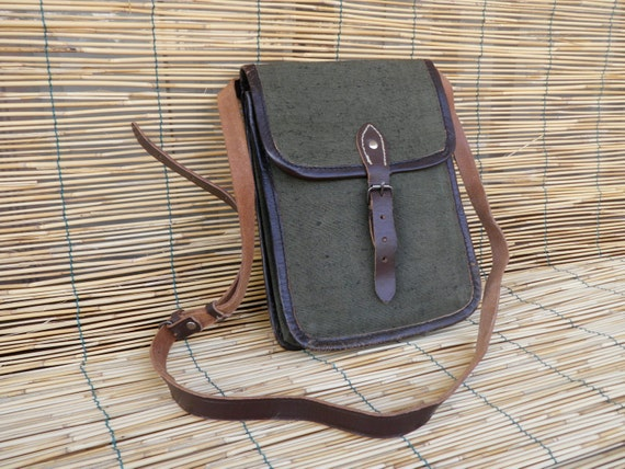 Vintage Unisex 1950's Army Officer Green Canvas Shoulder Strap Bag