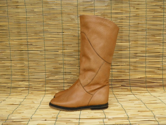 Vintage Lady's Tan Beige Leather Flat Boots Size EUR 38 US Woman 8
