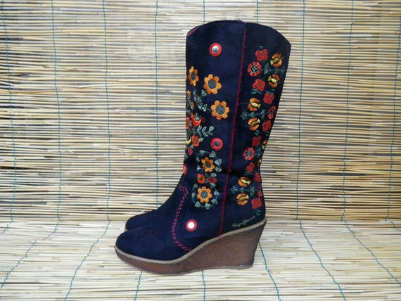 Vintage 1990's  Black Textile Embroidered Platform Boots  Size: EUR 36 / US Woman 6