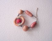 Bracelet Pearl Shine Beige Pale Pink Red Earth Tone Free Form