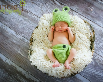 Froggy Hat and Diaper Cover