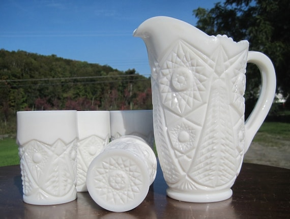 Kemple or Wheaten MIlk glass Pitcher and 4 tumblers Valtec
