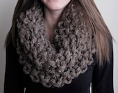 Extra Chunky Cowl in Brown