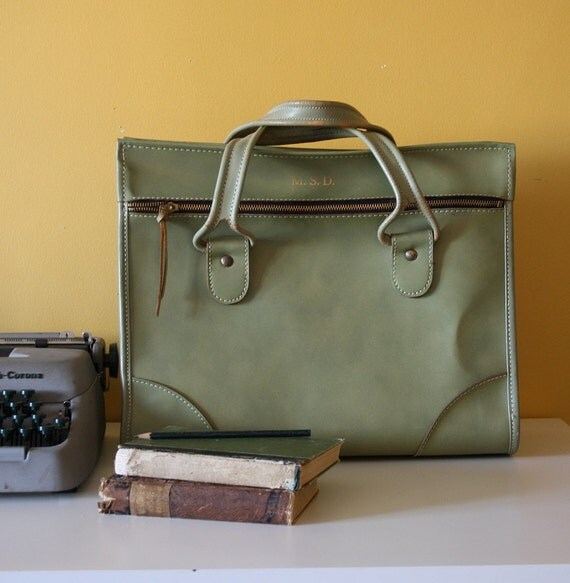 Vintage 1970s Hartmann Lady Brief / Carry On in Light Green