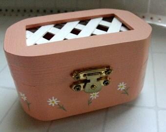 Peach Ring Box - Peach jewelry box, peach trinket box, spring daisy flower jewelry box