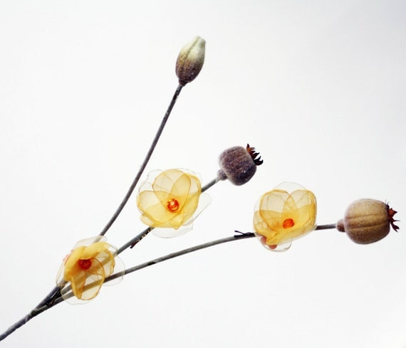 Set of 3 Narcissus Flowers Bobby Pins in Yellow and orange