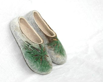Felted slippers Women slippers Organic slippers Valenki Woolen clogs Traditional felt Grey green brown white Felted clogs Wool slippers
