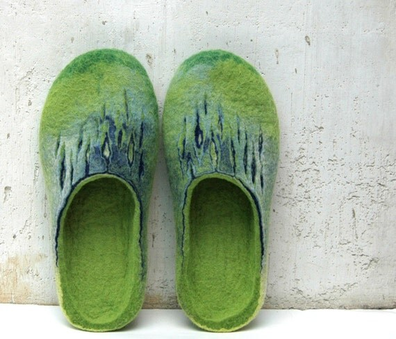 Felted slippers Women home shoes Green Blue Natural Traditional felt High quality Women fashion 100% wool Gift for her Woolen clogs