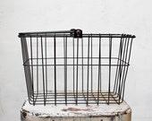 Simple Black Metal Bike Basket with Handle