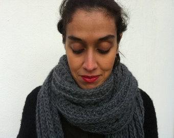 Chunky knitted Grey scarf/Estella