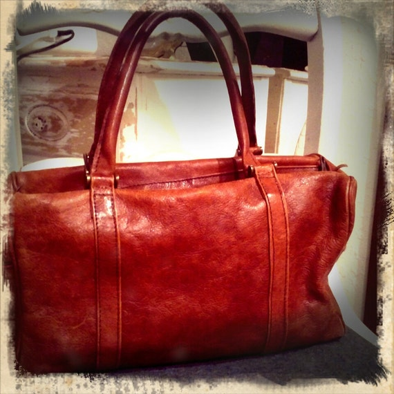 ROUGH N TOUGH /// Distressed Leather Doctors Bag