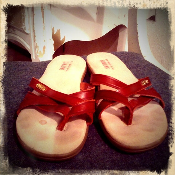 SUNJUNS    ///    Maroon BASS Leather Flip Flop New Old Stock