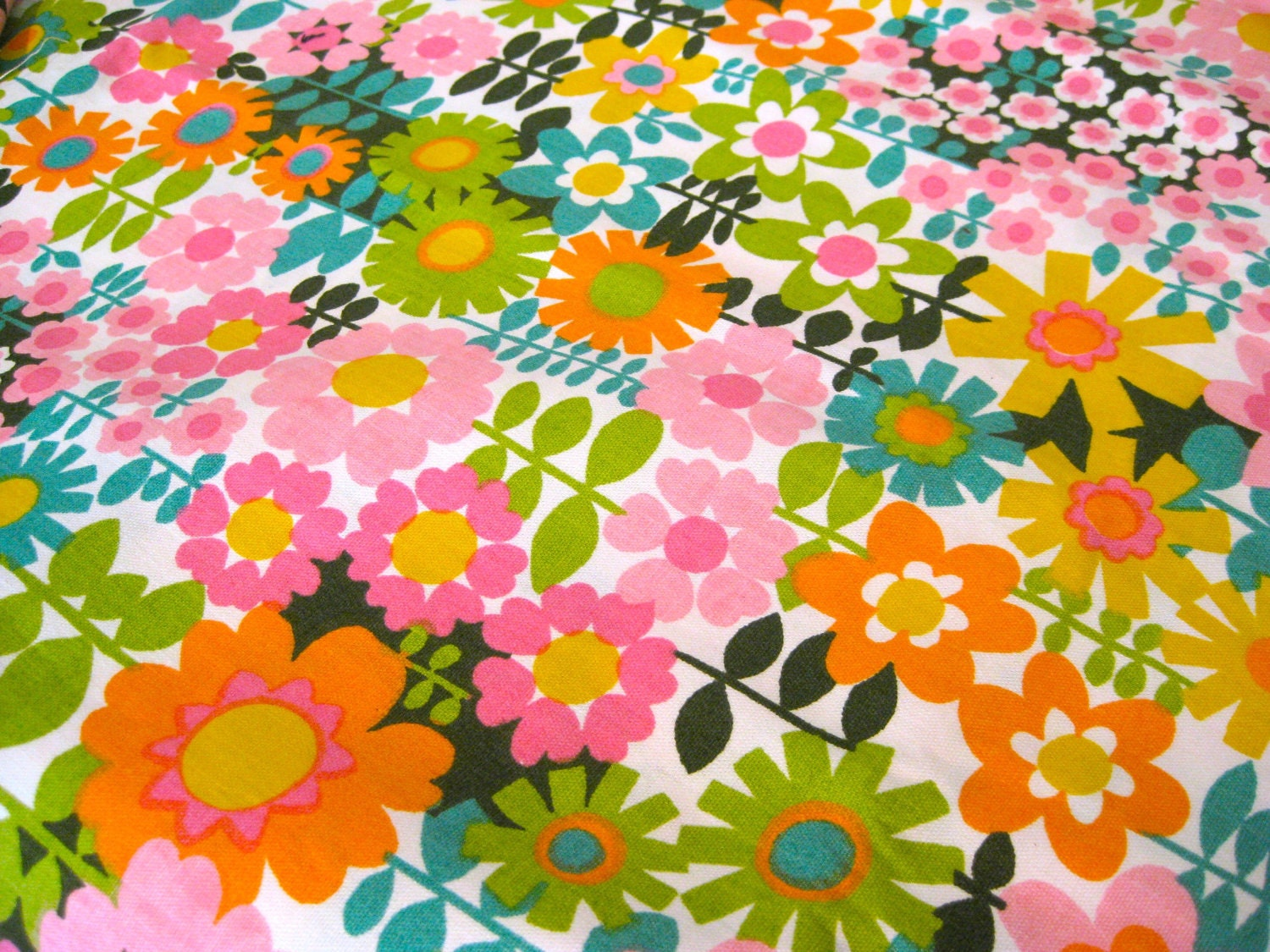 1960 S Vintage Groovy Flower Power Fabric One Yard