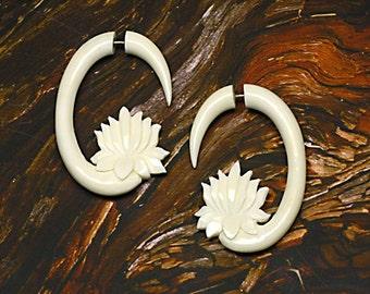 Fake Gauge, Hoop, White Bone, Fake Gauge Earrings, Tribal Earrings, Tribal Earrings, Organic, Fake Plugs, BOHO, Cheaters, B07