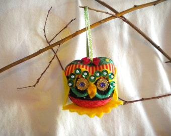 Cheery Christmas Owl Ornament, Holly the Xmas Owl