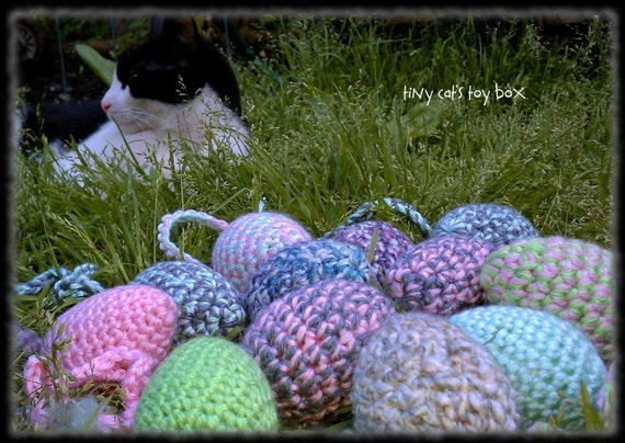 Pastel Rattlers (2) - colorful cat or ferret toys - crocheted eggs - crocheted mice - crochet - acrylic - polyester