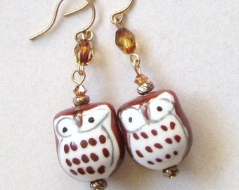 Cute Owl earring, all hand painted and hand crafted only for you and all the Owl lovers