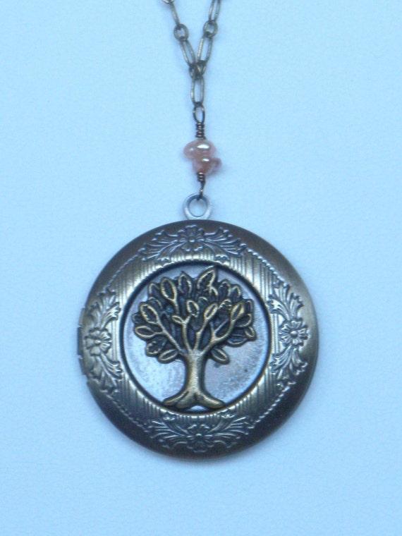 The Oak tree locket