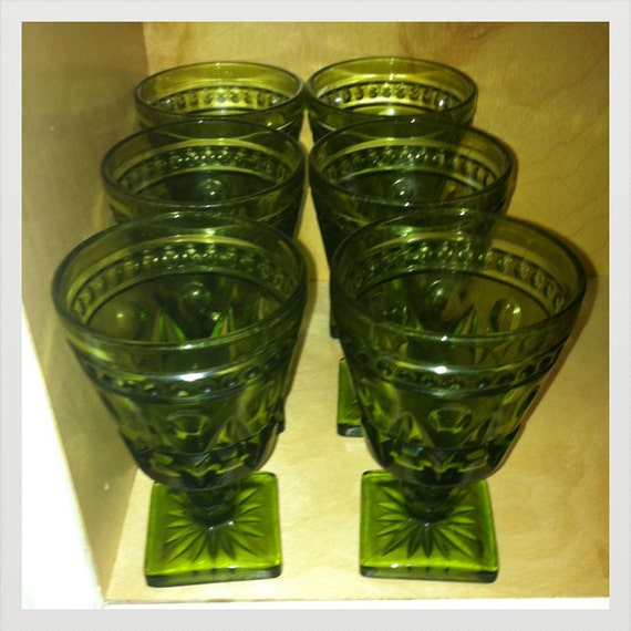 Set of 6 Vintage Colony Glass Indiana Glass Park Lane Pattern Vintage drinking goblets/wine glasses.