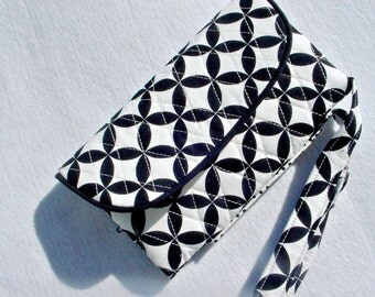 Quilted Wristlet Wallet Carry all in Black and Ivory Geometric print