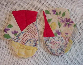 Feedsack Mitten Appliques, Shabby Primitive Vintage Patchwork Quilted Embellishments,  itsyourcountry