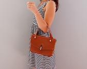 1960s box hand bag - warm brown worn leather